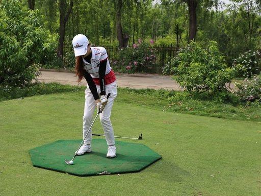 北京农学院2013_高尔夫球队:用微笑的曲线敲击青春-欢迎访问北京农学院学校 ...